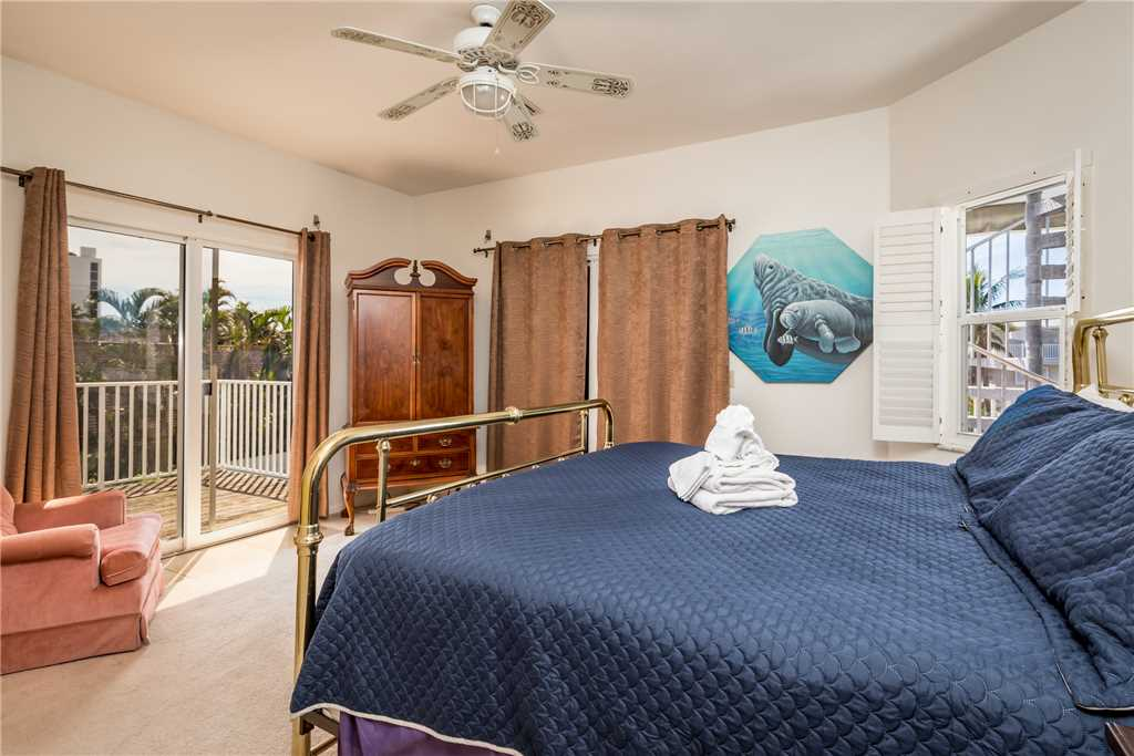 USS Gulf Breeze Beach 5 BR and Loft  Private Pool Gulf Views Sleeps 16 House/Cottage rental in Fort Myers Beach House Rentals in Fort Myers Beach Florida - #20