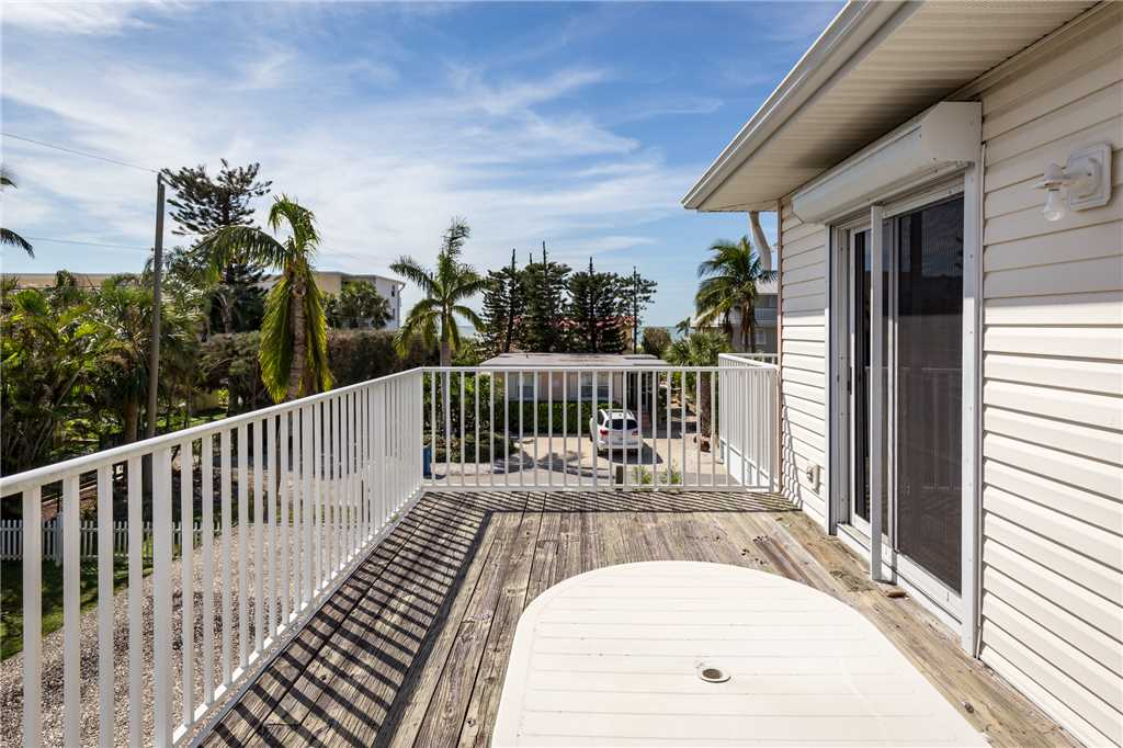 USS Gulf Breeze Beach 5 BR and Loft  Private Pool Gulf Views Sleeps 16 House/Cottage rental in Fort Myers Beach House Rentals in Fort Myers Beach Florida - #22