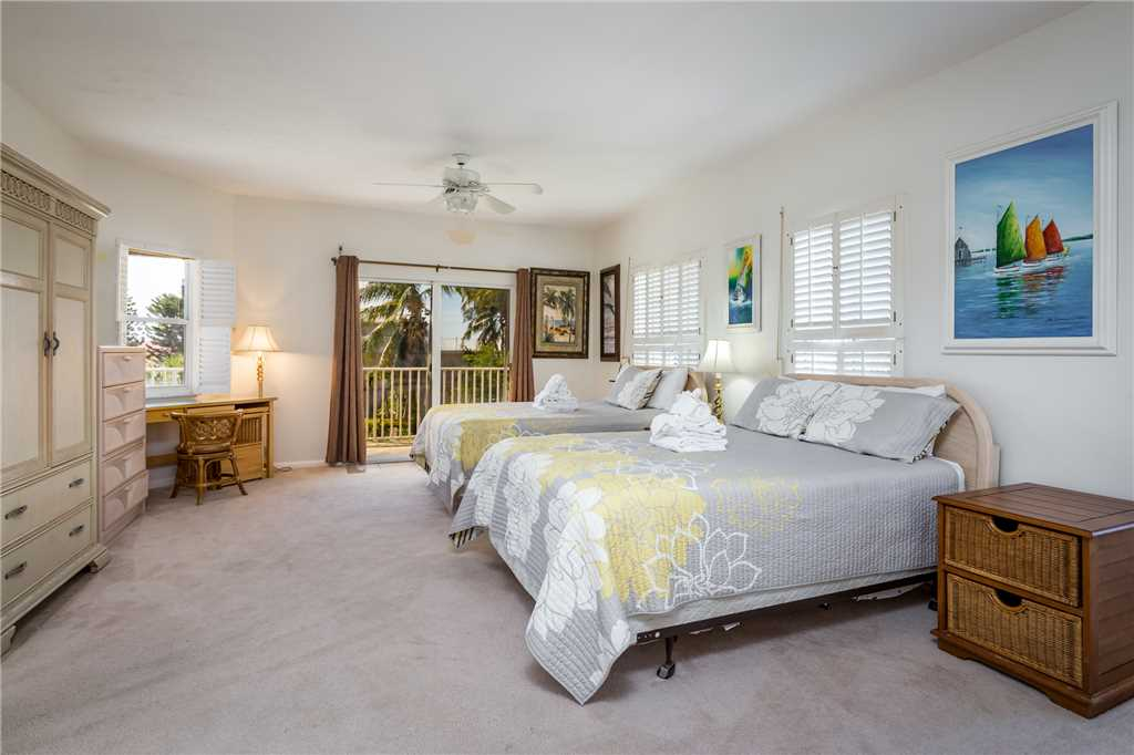 USS Gulf Breeze Beach 5 BR and Loft  Private Pool Gulf Views Sleeps 16 House/Cottage rental in Fort Myers Beach House Rentals in Fort Myers Beach Florida - #26