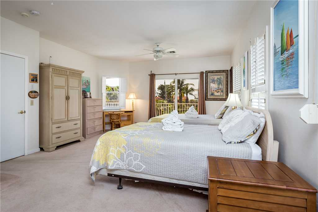 USS Gulf Breeze Beach 5 BR and Loft  Private Pool Gulf Views Sleeps 16 House/Cottage rental in Fort Myers Beach House Rentals in Fort Myers Beach Florida - #27