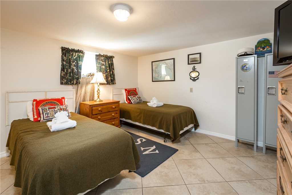 USS Gulf Breeze Beach 5 BR and Loft  Private Pool Gulf Views Sleeps 16 House/Cottage rental in Fort Myers Beach House Rentals in Fort Myers Beach Florida - #31