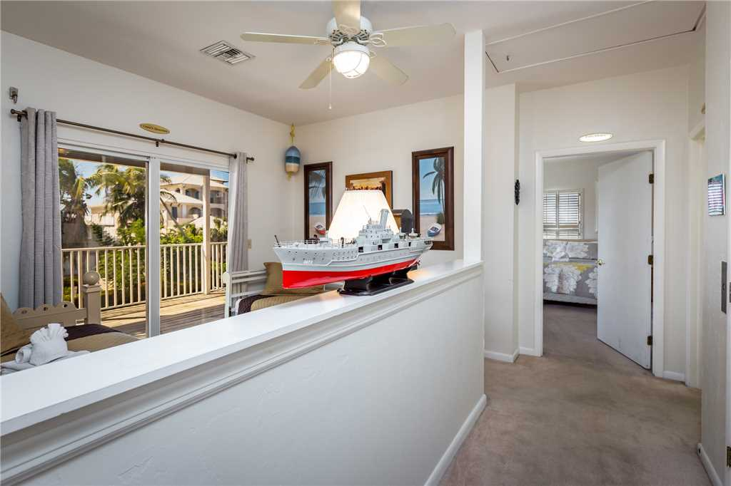 USS Gulf Breeze Beach 5 BR and Loft  Private Pool Gulf Views Sleeps 16 House/Cottage rental in Fort Myers Beach House Rentals in Fort Myers Beach Florida - #32