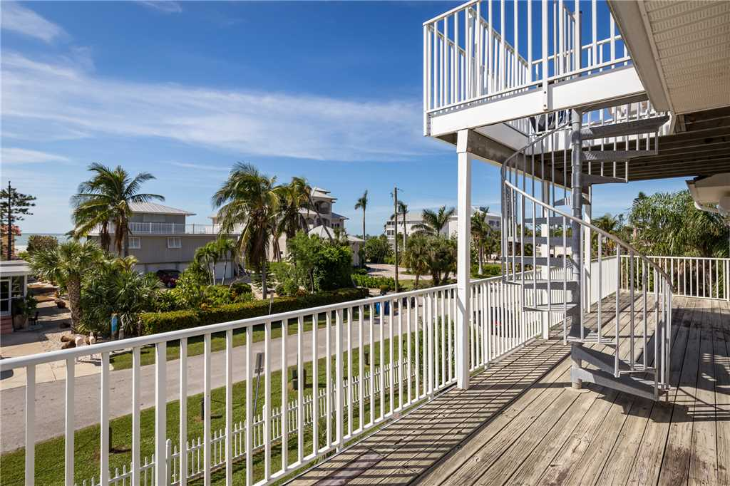USS Gulf Breeze Beach 5 BR and Loft  Private Pool Gulf Views Sleeps 16 House/Cottage rental in Fort Myers Beach House Rentals in Fort Myers Beach Florida - #34