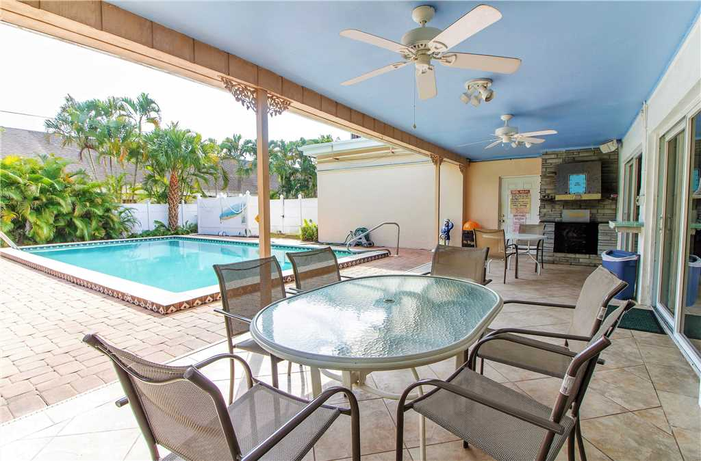 USS Gulf Breeze Beach 5 BR and Loft  Private Pool Gulf Views Sleeps 16 House/Cottage rental in Fort Myers Beach House Rentals in Fort Myers Beach Florida - #35