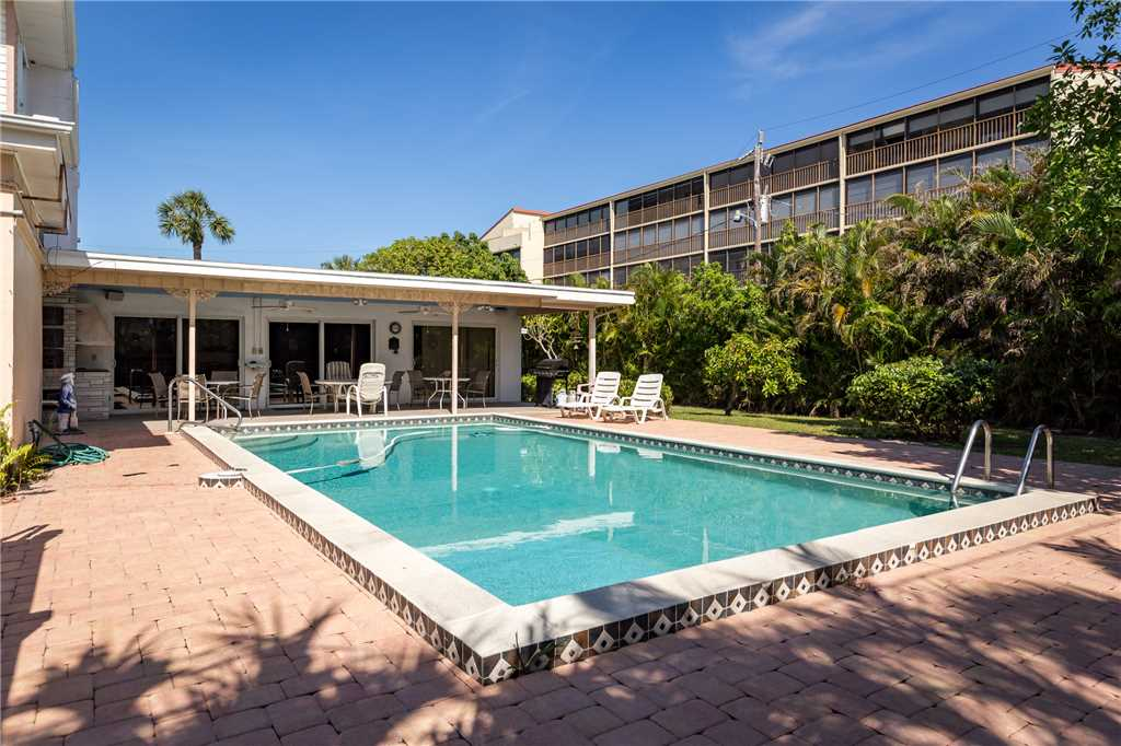 USS Gulf Breeze Beach 5 BR and Loft  Private Pool Gulf Views Sleeps 16 House/Cottage rental in Fort Myers Beach House Rentals in Fort Myers Beach Florida - #36