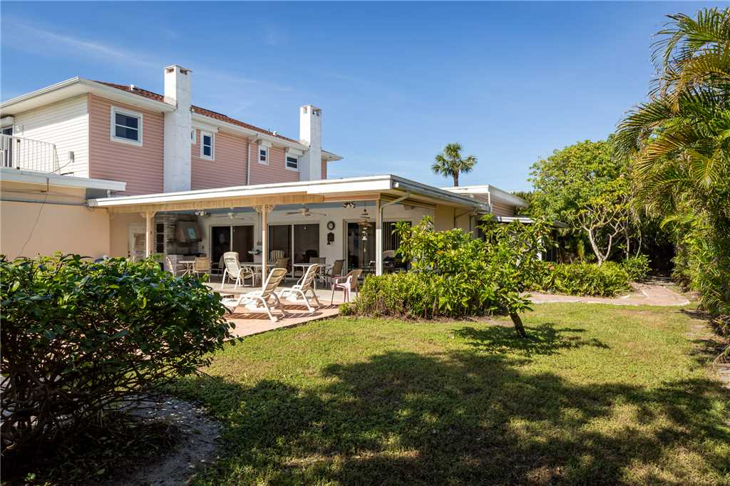 USS Gulf Breeze Beach 5 BR and Loft  Private Pool Gulf Views Sleeps 16 House/Cottage rental in Fort Myers Beach House Rentals in Fort Myers Beach Florida - #38