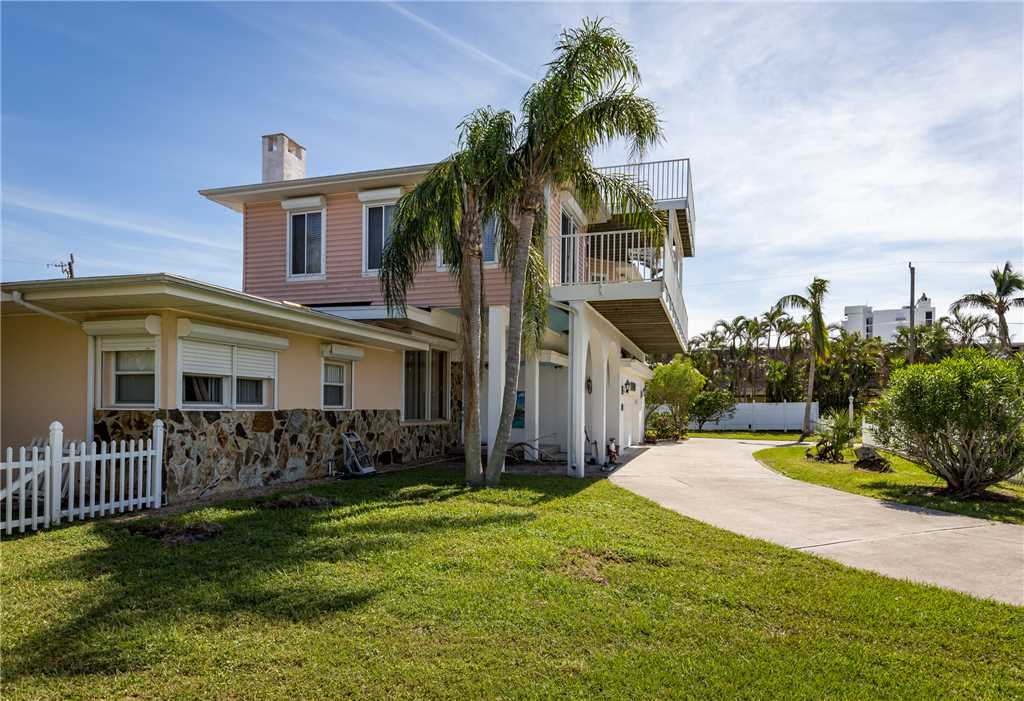 USS Gulf Breeze Beach 5 BR and Loft  Private Pool Gulf Views Sleeps 16 House/Cottage rental in Fort Myers Beach House Rentals in Fort Myers Beach Florida - #39