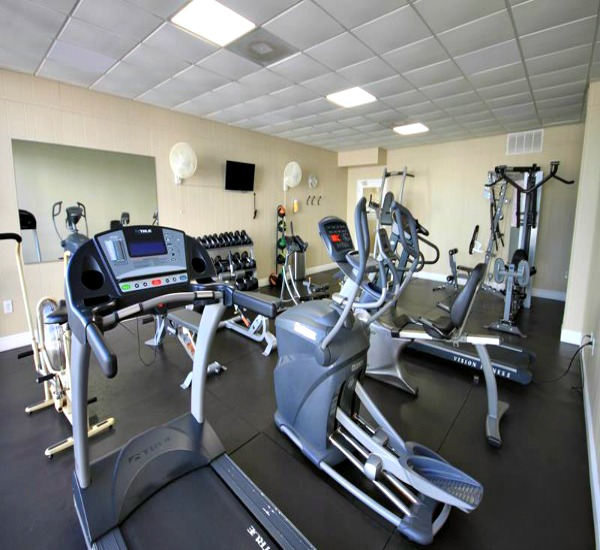 Fitness center at El Matador Fort Walton Beach