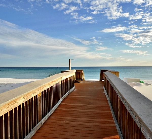 Easy access to the beach from Island Echos Condominiums in Fort Walton Florida