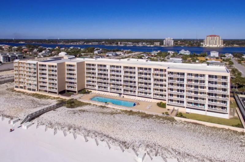 Islander Beach Resort - https://www.beachguide.com/fort-walton-vacation-rentals-islander-beach-resort--165-0-20216-141.jpg?width=185&height=185