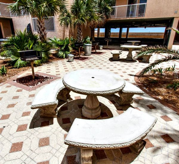 Nice grilling area at Islander Beach Resort  in Fort Walton Beach Florida