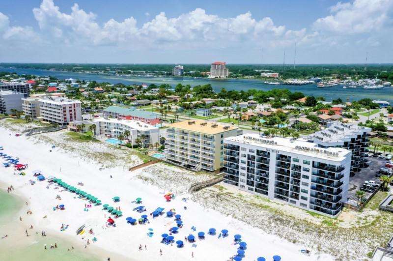 Nautilus Condominiums - https://www.beachguide.com/fort-walton-vacation-rentals-nautilus-condominiums--235-0-20216-1401.jpg?width=185&height=185