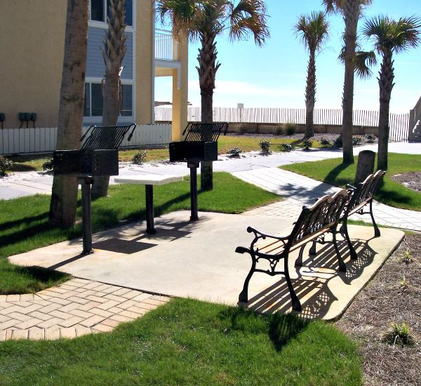 Grill area at Pelican Isle Condos in Fort Walton Florida