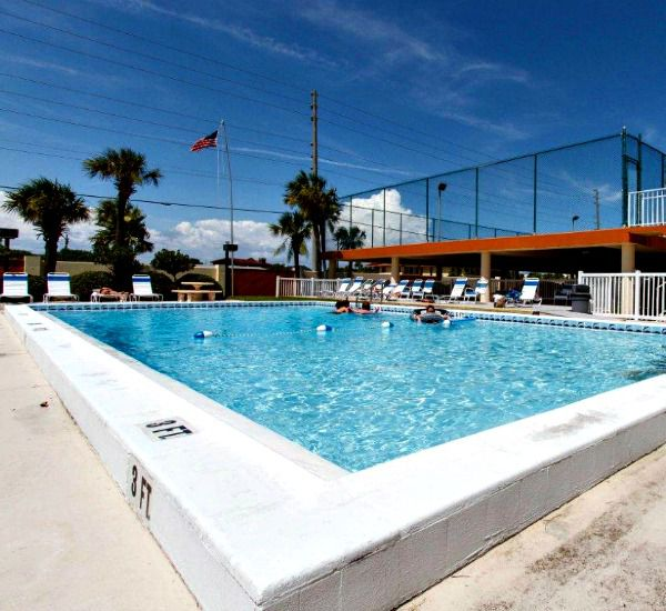 Oversize swimming pool at Surf Dweller Fort Walton Beach