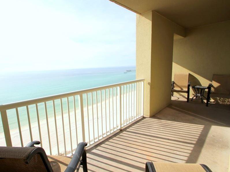 Grand Panama 1304 - Tower I 2 Bedrooms Beachfront Wi-Fi Pool Sleeps 8