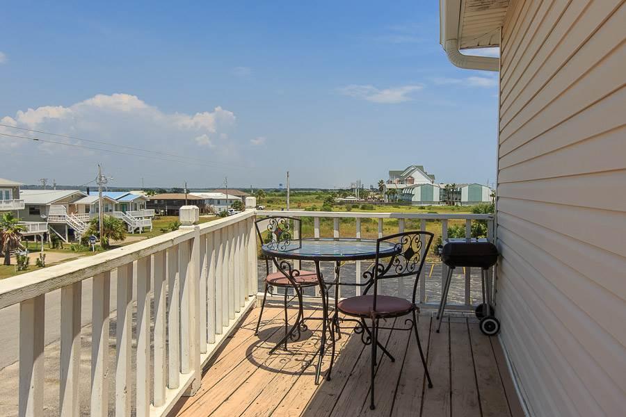 Beachcomber - https://www.beachguide.com/gulf-shores-vacation-rentals-beachcomber-8454632.jpg?width=185&height=185