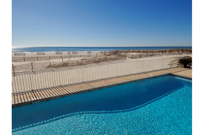 Swimming pool right on the Gulf at Caribbean Condos in Gulf Shores Alabama