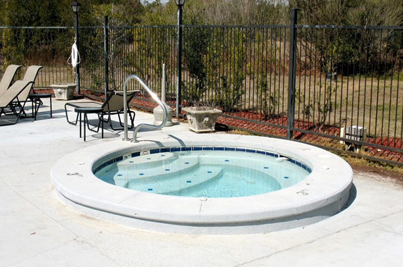 Spend some time unwinding in the hot tub at Colony Club in Gulf Shores AL