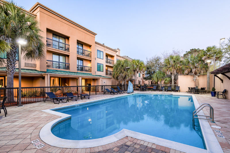 Courtyard by Marriott - https://www.beachguide.com/gulf-shores-vacation-rentals-courtyard-by-marriott-8736518.jpg?width=185&height=185