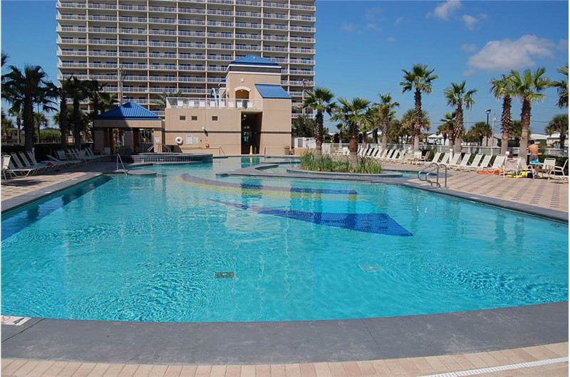 Gorgeous pool at Crystal Towers Gulf Shores