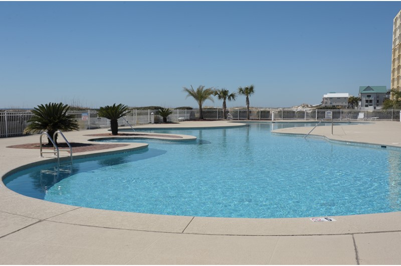 Lovely swimming pool at Gulf Shores Plantation