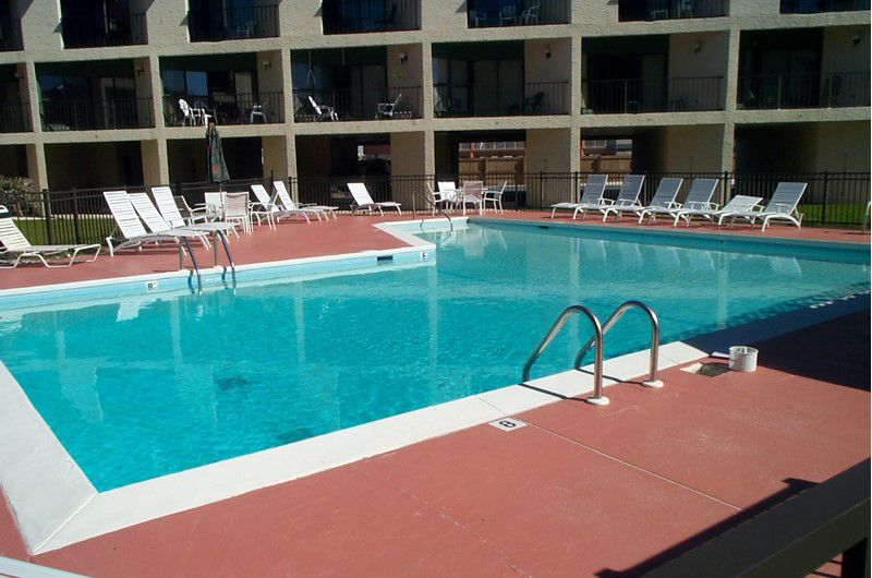 Inviting pool at Gulfside Townhomes in Gulf Shores AL