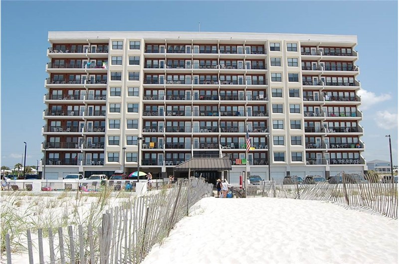Island Winds East on the beach in Gulf Shores AL