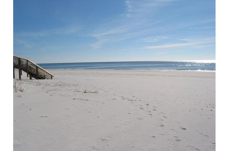 Beautiful white-sand beach at Legacy Gulf Shores