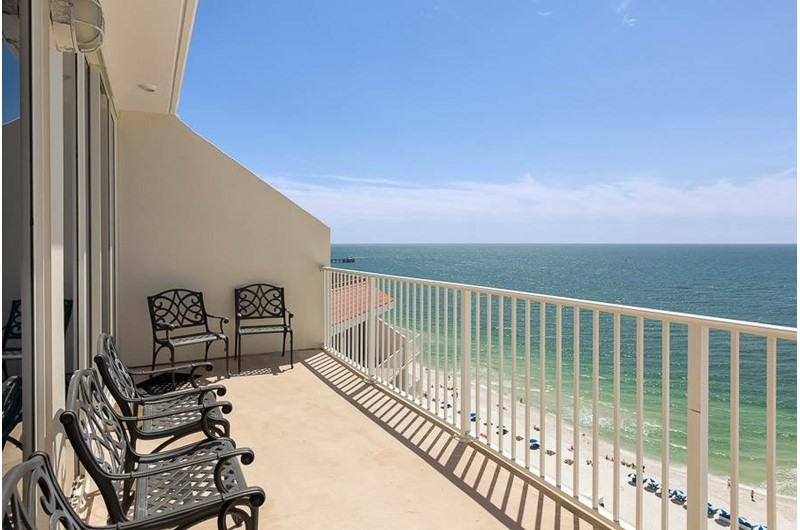 Enjoy sweeping views from your beachfront balcony at the Lighthouse Gulf Shores.