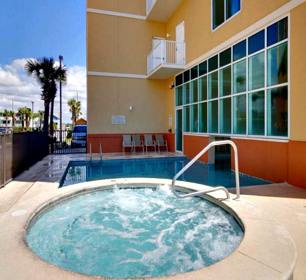 Hot tub at Seawind Condos in Gulf Shores AL