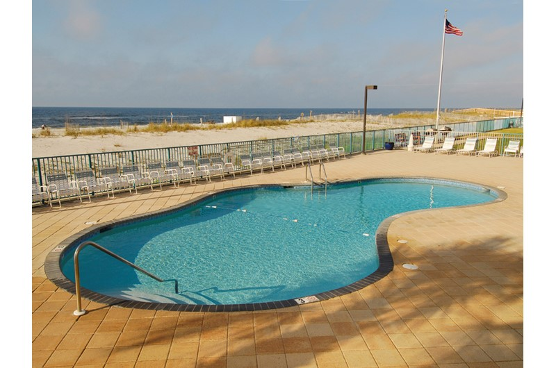 Oversize Gulf-front pool at Surfside Shores Gulf Shores
