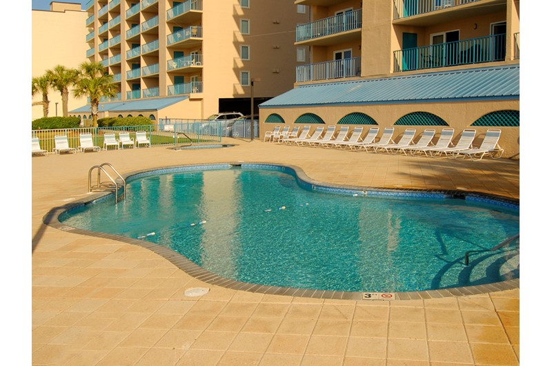 Surfside Shores Gulf Shores has a wonderful pool area directly on the beach.