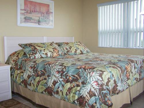 Gulf Strand Resort in St Petersburg FL 96