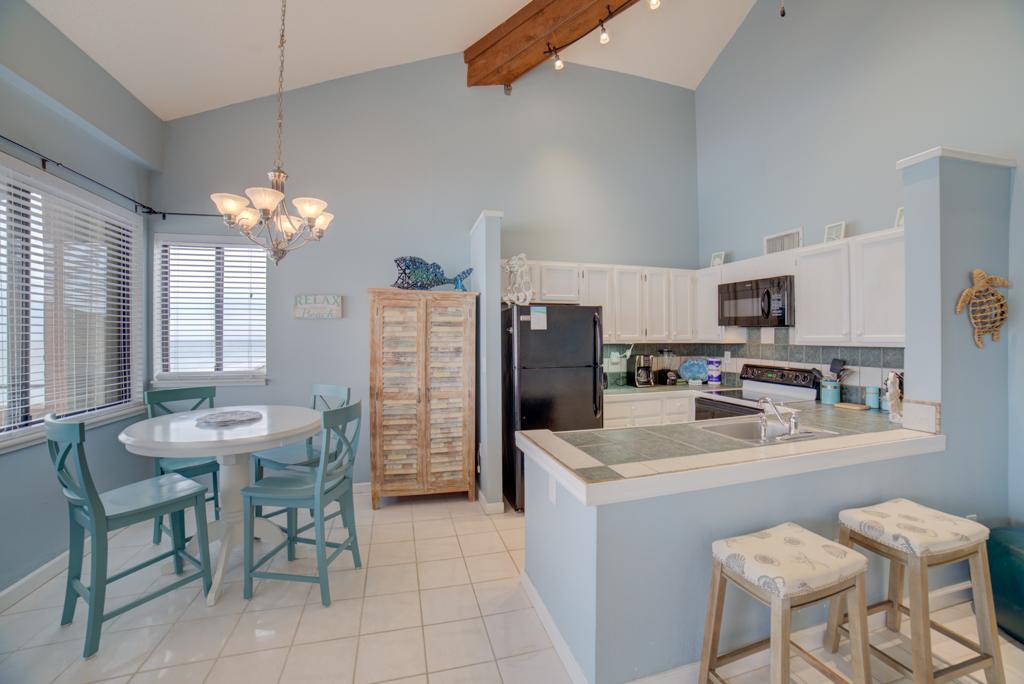 Gulf Winds #404 Condo rental in Gulf Winds Pensacola ~ Pensacola Beach Vacation Rentals by BeachGuide in Pensacola Beach Florida - #4