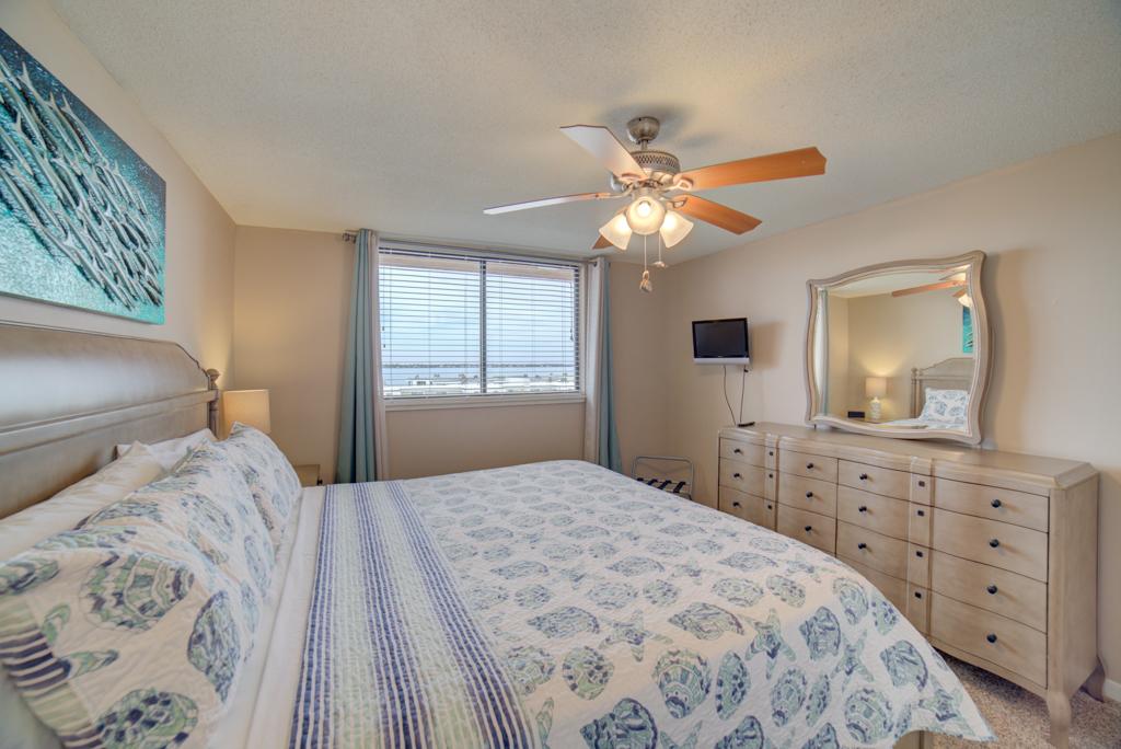 Gulf Winds #404 Condo rental in Gulf Winds Pensacola ~ Pensacola Beach Vacation Rentals by BeachGuide in Pensacola Beach Florida - #15