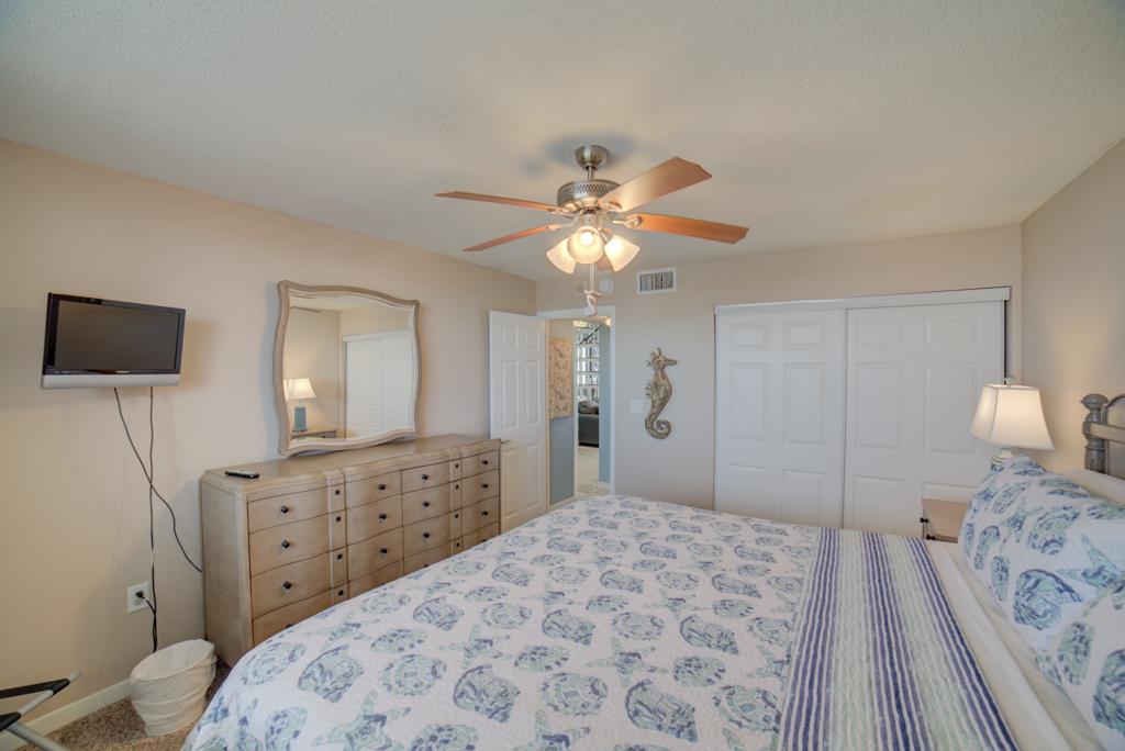 Gulf Winds #404 Condo rental in Gulf Winds Pensacola ~ Pensacola Beach Vacation Rentals by BeachGuide in Pensacola Beach Florida - #17