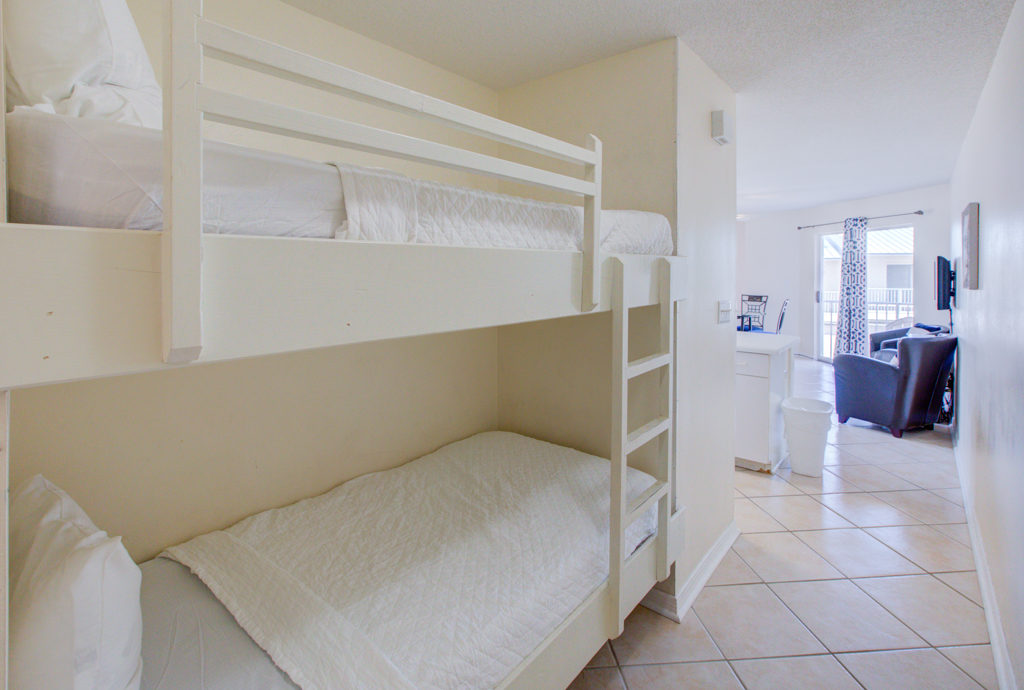 Gulfview II 2-201 Condo rental in Gulfview Condominiums in Destin Florida - #16
