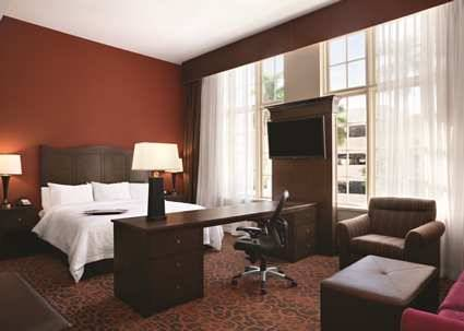 Hampton Inn And Suites Bradenton/downtown Historic District in Bradenton FL 90