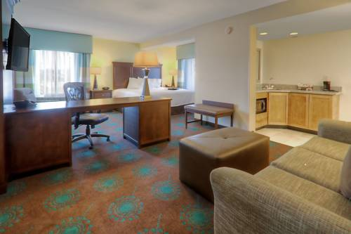 Hampton Inn And Suites Destin in Destin FL 08