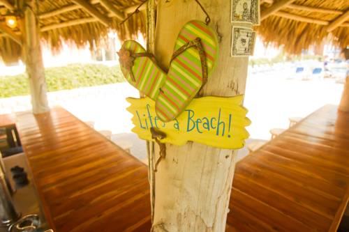 Hampton Inn Pensacola Beach in Gulf Breeze FL 41