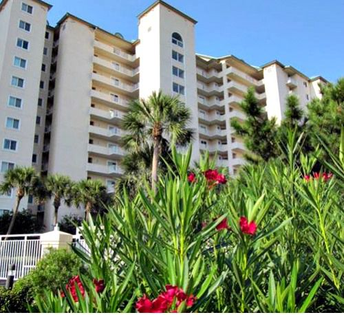 Condos cottages and cottages at the Hidden Dunes  in Destin Florida