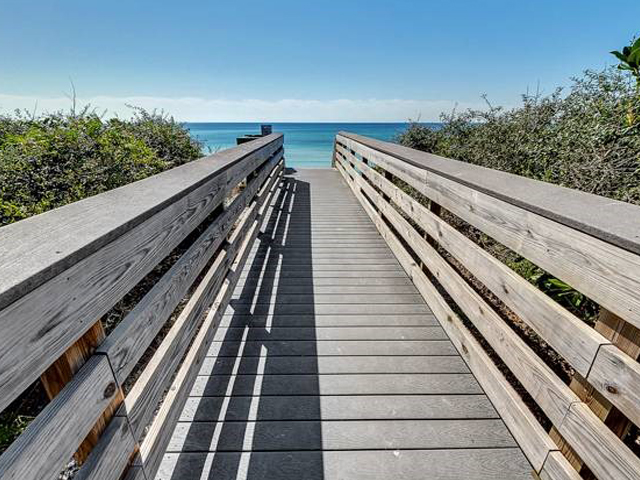 Easy access to the Gulf from Beachwood Villas in Seagrove Beach FL