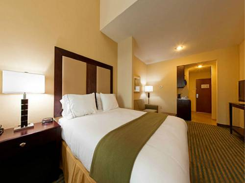 Holiday Inn Express Gulf Shores in Gulf Shores AL 97