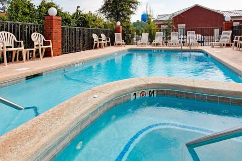 Holiday Inn Express Gulf Shores in Gulf Shores AL 42