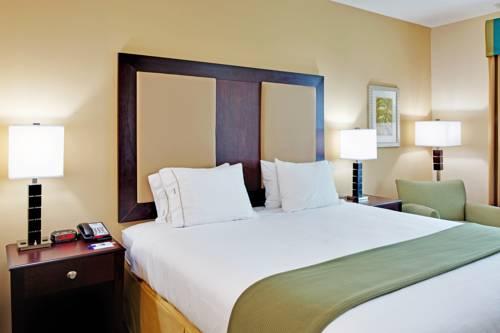 Holiday Inn Express Gulf Shores in Gulf Shores AL 45