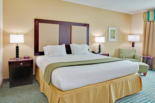 Holiday Inn Express Gulf Shores in Gulf Shores AL 49