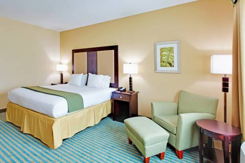 Holiday Inn Express Gulf Shores in Gulf Shores AL 50
