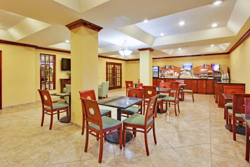 Holiday Inn Express Gulf Shores in Gulf Shores AL 53