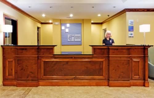Holiday Inn Express Gulf Shores in Gulf Shores AL 58