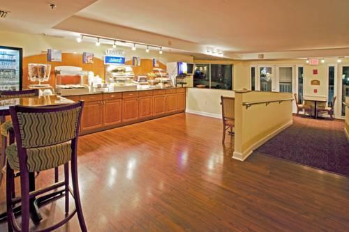 Holiday Inn Express Hotel & Suites Bradenton West in Bradenton FL 55